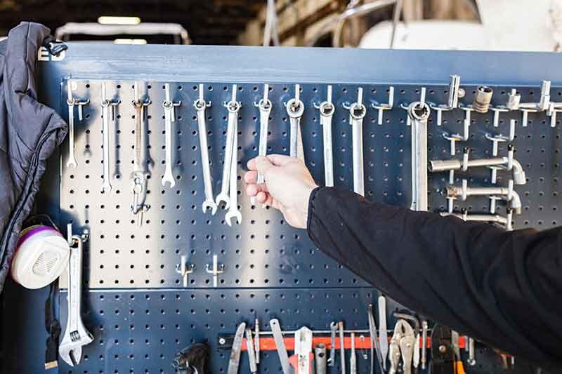 Atelier réparation bateau la londe les maures